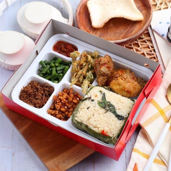 Nasi Kotak Paling Enak, Paket Ayam Mbledos