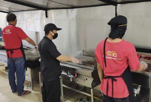 proses masak di nasi kotak kotak